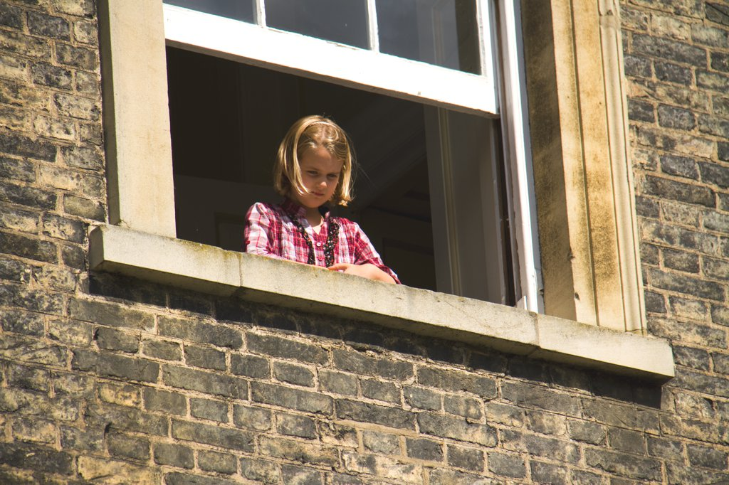 Cambridge Mädchen am Fenster