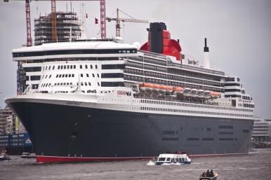 """Hamburg Queen Mary 2"""