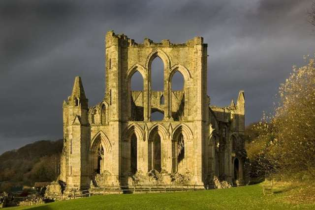 """Yorkshire Rievaulx Abbey"""