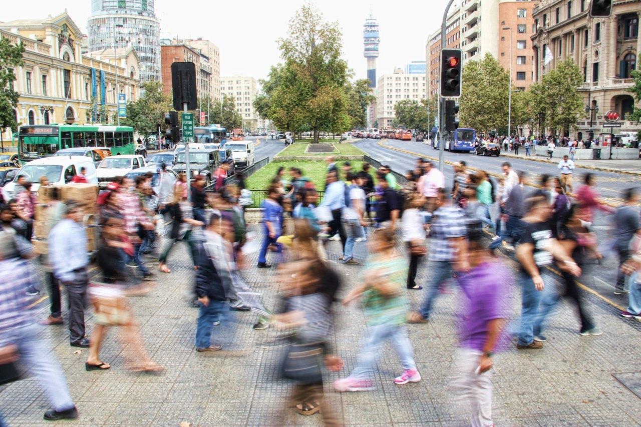 Sozialer Zusammenhalt: Mehr Freiheit = wenigerVertrauen?